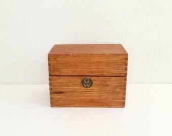 Antique Wooden Recipe Box . Classic Kitchen . GW Wood Recipe Box . Farmhouse Style . Globe Wernicke Co . Dovetailed Wood Box . 1893-1955
