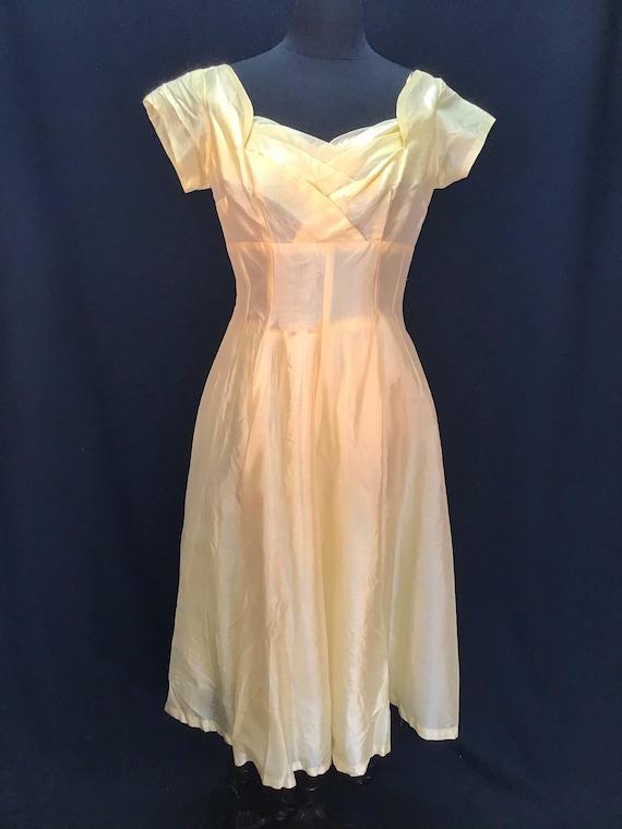 Vintage 1950s Pale Yellow Organza Rockabilly  Dres
