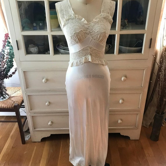 Vintage 1940s Ivory Nightgown