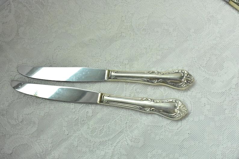 2 Dinner Knives Silverplate Vintage Lot