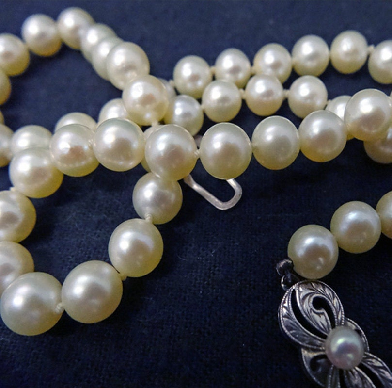 Mikimoto Pearls Necklace: Vintage Mikimoto Cultured Pearl Necklace In Takashimaya