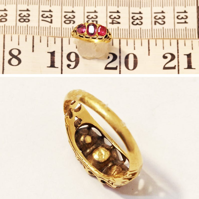 #6474 Antique Ring 22k Gold Rubies Openwork Engraved Floral Hoop Indian