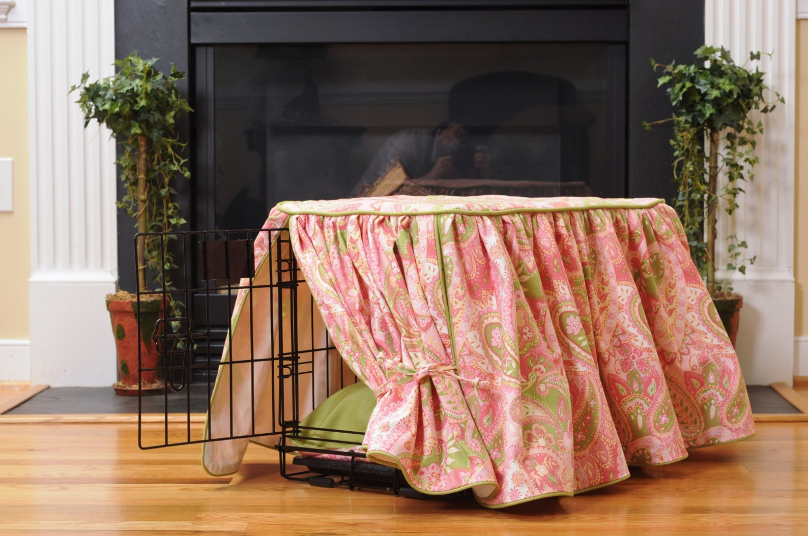 Pink Dog crate cover