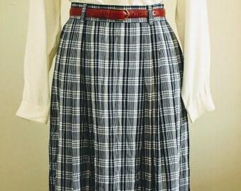299277de7d Vintage Skirt • 1990s Talbots Petites Skirt • Plaid Skirt • White and Navy  Blue • Plaid • High Waist • Pockets • Side Button • Size 8