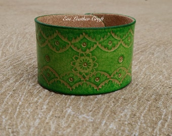 Green Leather bracelet 017 / floral wristband / green cuff / handmade tooling jewelry / leather Jewellery