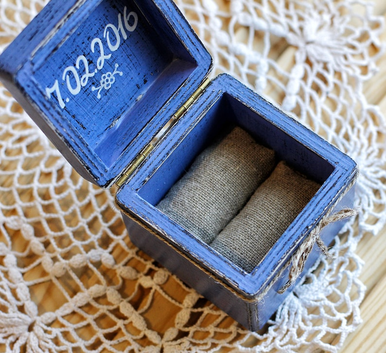 Custom Wooden ring holder Engagement Ring Box Rustic Wedding Ring Box Wedding Ring Pillow Personalized Jewelry Box Ring bearer box
