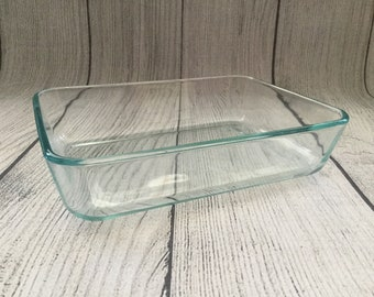 Vintage 3 Cup Clear Glass Pyrex 7210 Baking Dish Bakeware Ovenware with Blue Plastic Lid