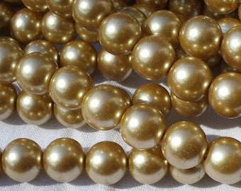 100 glass beads 8 mm mother of Pearl Gold