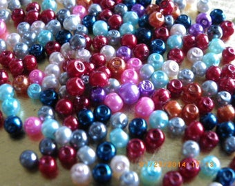 300 Pearl 3 mm with a colourful round glass beads