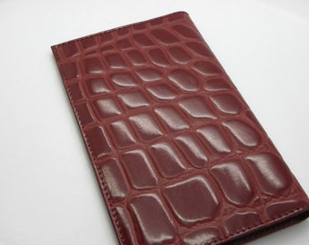worn papers leather Croco Burgundy 10 cm x 17 cm