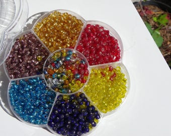 box 1500 seed beads 4 mm in 7 colors gold, red, blue, yellow