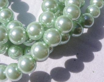 50 glass Pearl 8 mm beads of beautiful green freshwater pearls