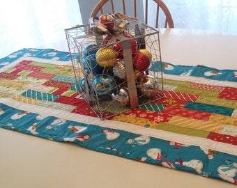 Quilted Christmas Snowman Runner, Snowman Table Runner, Christmas Decor, Snowflake Decor, Long Table Runner, Christmas Gift, Gift for Her