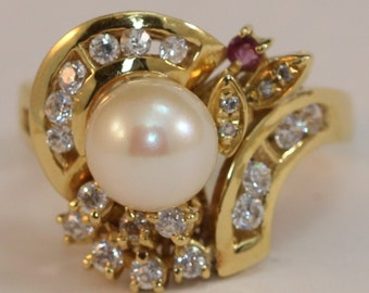 June Birthstone - 18k Gold, White Pearl & CZ Ring Size 8