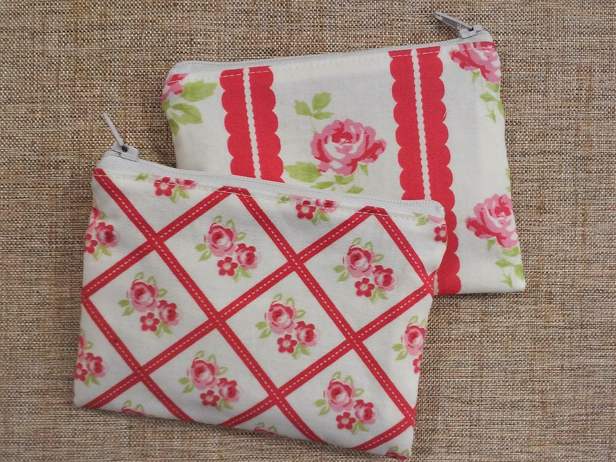 roses rouges plat style tissu petite pochette en plusieurs etsy. Black Bedroom Furniture Sets. Home Design Ideas