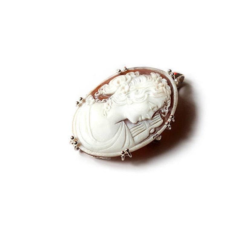 Sardonyx shell cameo brooch /& pendant sappho italian cameo jewelry donadio cameo shell camafeo broche cam\u00e9e \u041a\u0430\u043c\u0443\u0444\u043b\u044f\u0436\u043d\u0430\u044f \u0431\u0440\u043e\u0448\u044c \u30ab\u30e1\u30aa\u30d6\u30ed\u30fc\u30c1