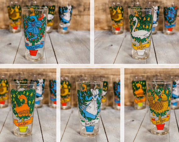 Vintage Twelve Days of Christmas Drinking Glass Collectable Glass Kitchen Christmas Decor