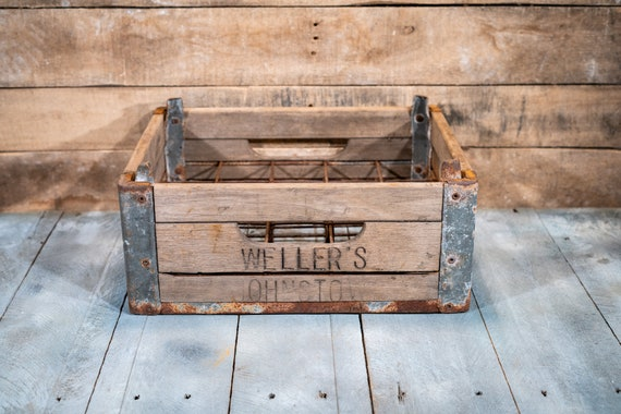 Antique Weller's Johnstown Rustic Metal Wooden Milk Crate Dairy Industrial Primitive Carrier Farmhouse Country Modern Kitchen Decor
