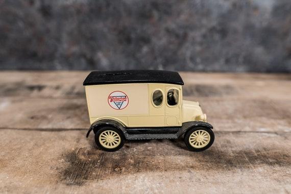 Vintage 1920 Polarine Truck Bank Motor Oil Gasoline Die-Cast Man Cave