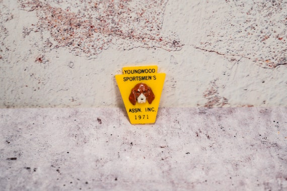 Vintage 1971 Youngwood Sportsmen's Association Pin Hunting Man Cave Hunting Cabin Pennsylvania