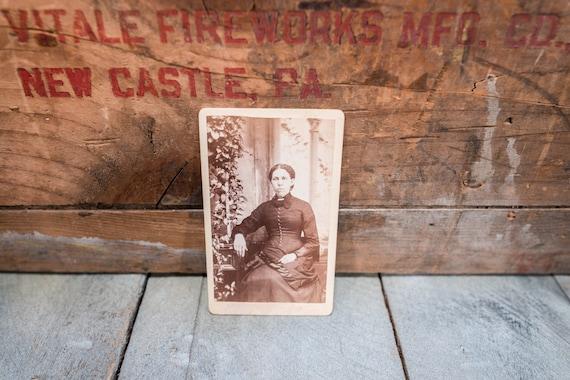 Antique Cabinet Card Photography Photo Women Photograph Photo Props