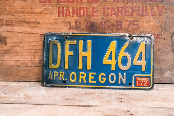 Vintage 1972 Oregon License Plate Metal Rustic Distressed Wall Hanger Garage Man Cave Decor Automotive Decor Blue Yellow