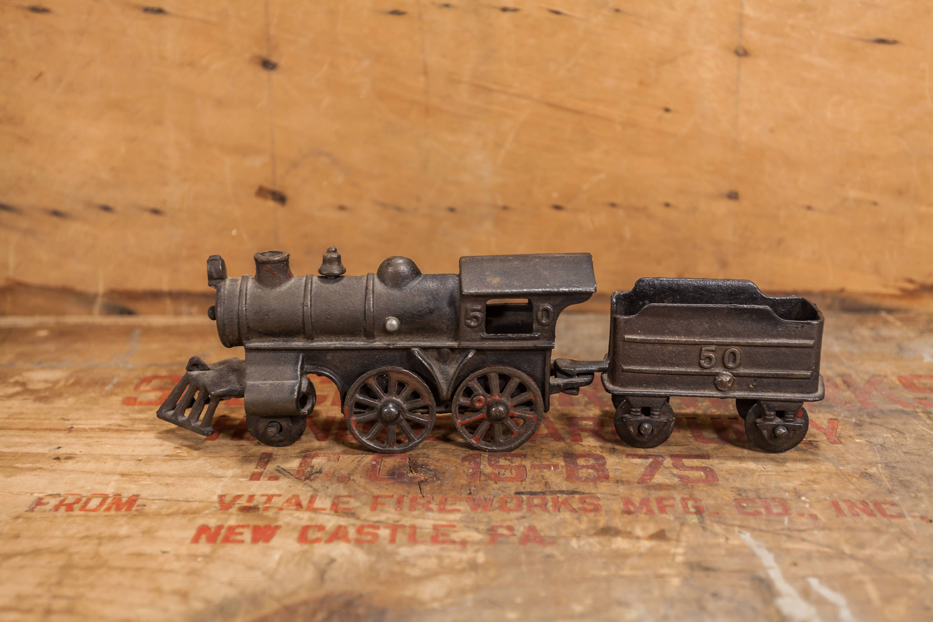 Nycrr Cast Iron Train: Vintage Cast Iron Train Engine No. 50 LocomotiveIce Coal