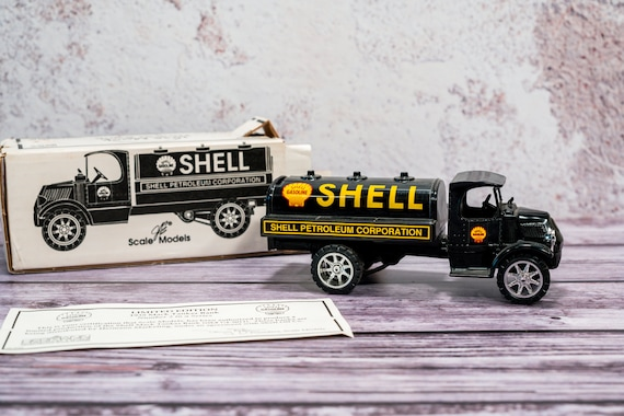 Vintage 1935 Mack Tanker Shell Die-Cast Bank ERTL Black Yellow Man Cave