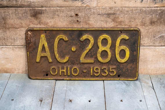 Vintage 1935 Ohio License Plate Metal Rustic Distressed Wall Hanger Garage Man Cave Decor Automotive Decor