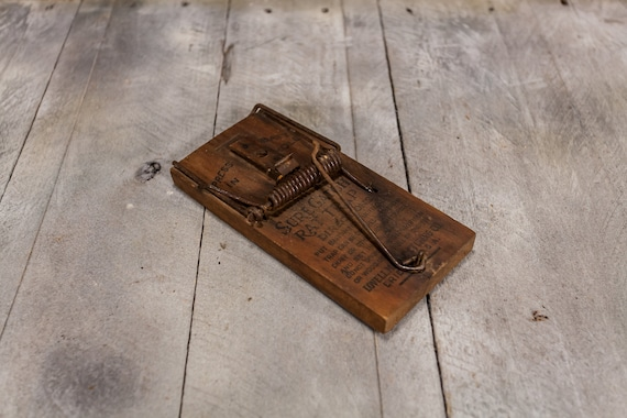 Vintage Lovell Sure Catch Wooden Rat Trap Anchor Brand Clothes Wringers Rustic Primitive Country Farmhouse Advertising