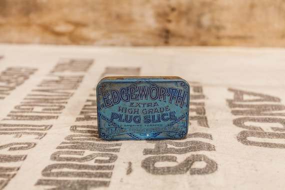 Vintage Edgeworth Extra High Grade Plug Slice Pipe Tobacco Tin Purple Blue Gold Man Cave Rustic Larus & Bros Co. Richmond VA