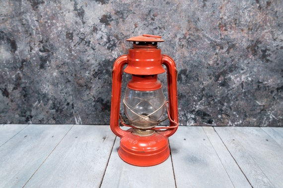 Vintage V&O Lantern No. 76 Red Gold Farmhouse Railroad Metal Hanging Rustic Wedding Lighting Style Home Decor