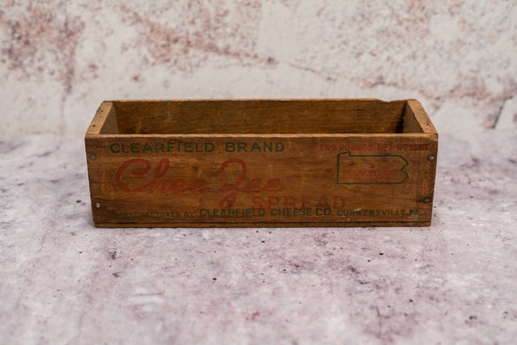 Vintage Clearfield Brand Chee-Zee Spread Wooden Crate Cheese Box Advertising Wooden Cheese Crate