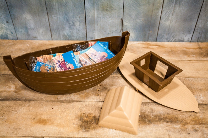 Vintage ARCO Ark & Animals Noahs Ark Toy Kids Nursery Biblical Bible Toys