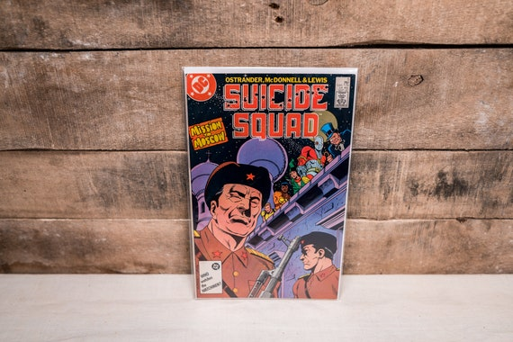 Vintage 1980s Suicide Squad #5 Comic Book DC Collectable Comic Book