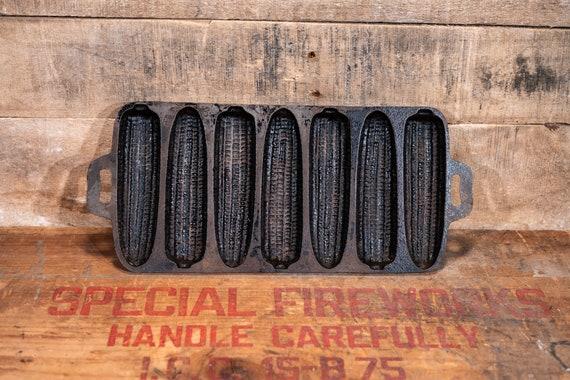 Vintage Cast Iron Cornbread Mold Corn Bread Pan Country Farmhouse Rustic Kitchen Decor