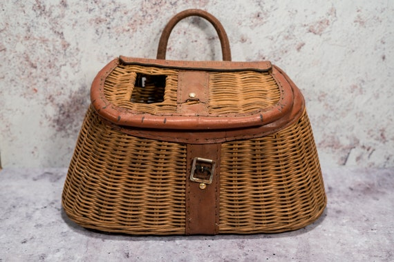 Vintage Wicker Fishing Creel Basket Wicker creel Fishing Carrier Rustic Man Cave Decor Fishing Cabin Decor