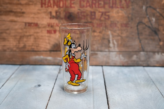 Vintage 1970s Goofy and Pluto Collectable Glass Walt Disney Productions