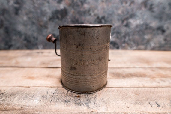 Vintage Favorite Sifter Flour Measuring Sifter Rustic Kitchen Country Farmhouse