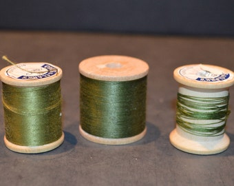 Coats and Clark's Wood Spools with Green Thread-Set E