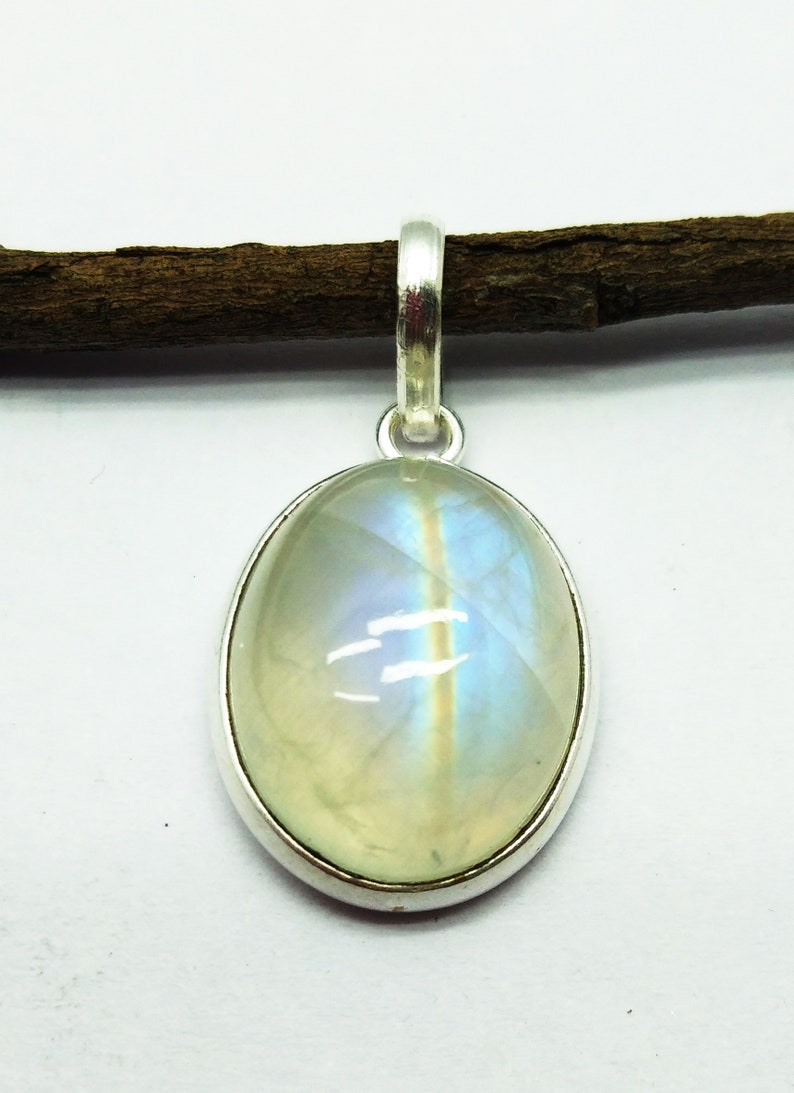 Very High Quality  Stylish Natural Blue Fire Rainbow Moonstone Silver Plated Pendant 19x15x8 mm Oval /& Smooth weight in 20.9 ct PN29