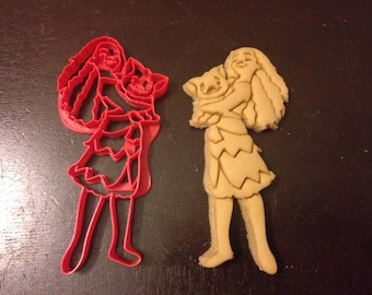 Moana Cookie Cutter with her pig. Great for any birthday party. Celebrate their birthday with Moana cookies! Maui Hawaii Cookies