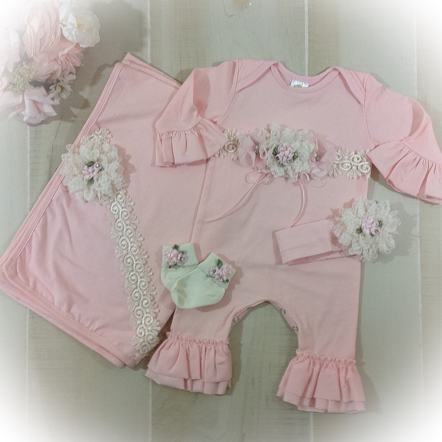 29716298a Newborn Girl Coming Home Outfit