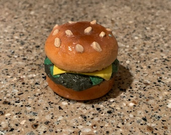 Burger Polymer Clay Figurine Charm, Fast Food, Clay Sculpture, Shaded Soft Pastel, Food Figure, Cheeseburger Paperweight