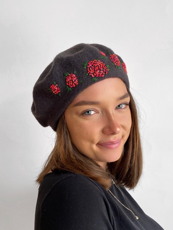 hand stitched flowers,embroidered woman,ladies,girl hat,Christmas gift Grey beret,unique hand embroidered beret grey French wool beret