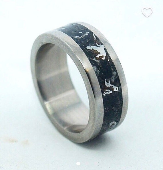 Silver Hearts Jewelry Orca Whale Ring Mens Wedding Ring Sizes 5 to 14 Black Tungsten Carbide Wedding Ring