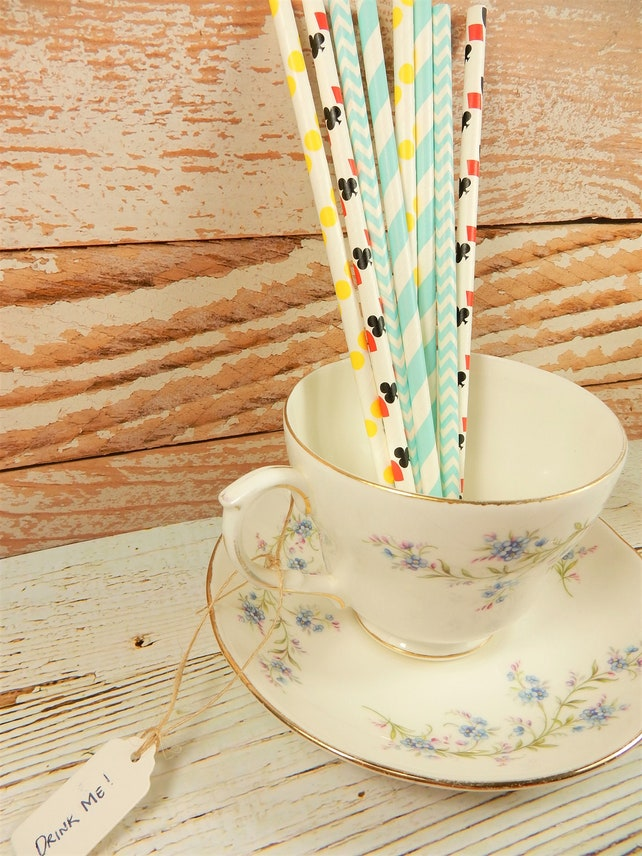 Alice in Wonderland Paper Straws, Tea Party Supplies, Ace of Spades, Queen of Hearts Straws, Biodegradable Drinkware, Eco Friendly Straws