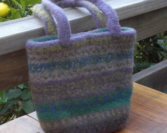 Tote bag/ strong/ hand-knitted/ felted wool