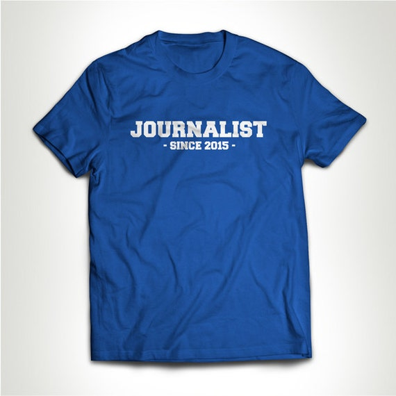 migliori offerte su meticolosi processi di tintura come ordinare Giornalista dal (personalizzare anno) t-shirt maglietta regalo per laurea  PHD Student giornalismo medico College Humor Geek Nerd MB581
