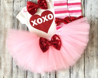 Girls XOXO valentines outfit, Baby girl Valentines outfit, 1st valentines outfit, first valentines outfit, girls valentines, red pink